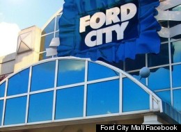 What was essentially a mob scene outside the Ford City Mall in Chicago led to dozens of arrests and the mall being shut down for the day Saturday.
