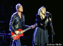 Fleetwood Mac, led by ever-popular singer Stevie Nicks, played a sold-out show at Chicago's United Center on Saturday.