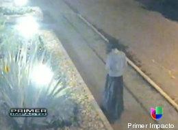 Colombia: Mujer fantasma captada por cámaras de seguridad asusta a vecinos