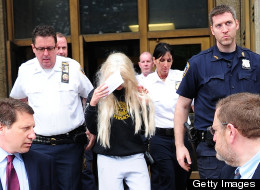 Amanda Bynes speaks out after her arrest, taking to Twitter to share her thoughts.