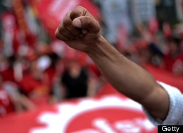 Anti-government protests raged on in Istanbul Wednesday, even after the deputy prime minister issued an apology for