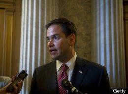 Marco Rubio amenaza con abandonar la lucha por la reforma migratoria si ofrece beneficios a parejas gays.