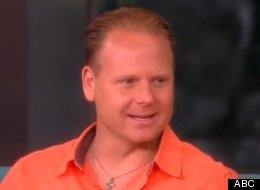 Nik Wallenda talks praising Jesus during tightrope walk.