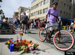 A memorial for 32-year-old Italian newlywed Alice Gruppioni is seen on the Venice Beach boardwalk on August 4, 2013. (ROBYN BECK/AFP/Getty Images)