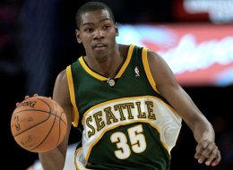 Seattle SuperSonics guard Kevin Durant brings the ball up during the first half of the rookie challenge basketball game Friday, Feb. 15, 2008, at the NBA All-Star Weekend in New Orleans. (AP Photo/Eric Gay)