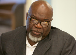LOS ANGELES, CA - AUGUST 16:  Bishop T.D. Jakes is interviewed regarding his most recent project 'Sparkle' by the staff of People Magazine on August 16, 2012 in Los Angeles, California.  (Photo by Earl Gibson III/WireImage)