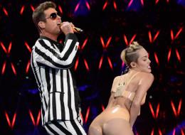 Miley Cyrus en los 2013 MTV Video Music Awards en el Barclays Center.