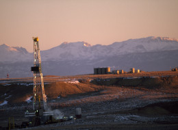 Gas drilling rigs in the Jonah Field near Pinedale, Wyoming. (Photo by Joel Sartore/National Geographic/Getty Images)