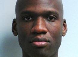 Aaron Alexis, de Fort Worth, Texas, fue uno de los pistoleros del ataque a la sede central de la Marina de Estados Unidos. La foto de la página del FBI. (AP Photo/Manuel Balce Ceneta)