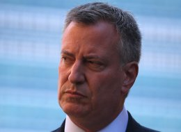 Democratic candidate for New York City mayor Bill de Blasio said on Monday that his estranged father committed suicide in 1979.