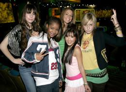 Danielle Haim, Lil' Nix, Raquel Houghton, Ally Maki and Este Haim of The Valli Girls (Photo by KMazur/WireImage)