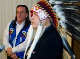 Chief Gilbert Whiteduck, left, of Kitigan-Zibi. (CP)