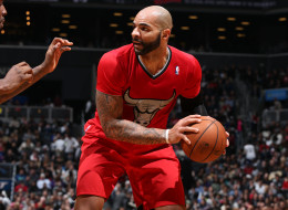 BROOKLYN, NY - DECEMBER 25:  Carlos Boozer #5 of the Chicago Bulls handles the ball during a game against the Brooklyn Nets on December 25, 2013 at Barclays Center in Brooklyn, New York. NOTE TO USER: User expressly acknowledges and agrees that, by downloading and or using this Photograph, user is consenting to the terms and conditions of the Getty Images License Agreement. Mandatory Copyright Notice: Copyright 2013 NBAE (Photo by David Sherman/NBAE via Getty Images)