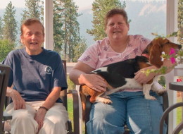 Shirley Vann (left), her daughter Linda Jean McNall and their two dogs are shown in this family handout photo. A U.S. mental-health advocate hopes a woman from Arizona who admits she helped her mother commit suicide in Canada will continue to get care if she's deported. THE CANADIAN PRESS/HO