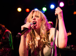 Alt-rocker Courtney Love thinks she may have found the missing Malaysia Airlines plane.