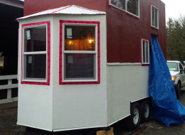 Kayla Feenstra built her own tiny house on wheels in Abbotsford, B.C.