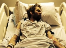 Sum 41 singer sends note from hospital revealing he almost died from drinking (www.deryckwhibley.net/)