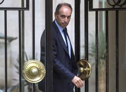 Jean-François Copé quitte son domicile ce mardi matin.