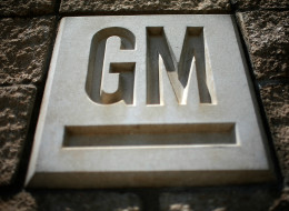 ARLINGTON, TX - JULY 13: The GM logo is seen at the General Motors Arlington Assembly Plant July 13, 2009 in Arlington, Texas.  More than 2,000 workers were expected to return to the assembly plant today after General Motors Corp. closed 13 North American factories for two months to slash inventory in which time the company filed for bankruptcy.  (Photo by Tom Pennington/Getty Images)