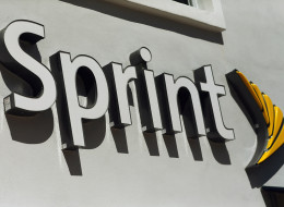 MIAMI, FL - OCTOBER 15:  A Sprint Nextel cell phone store is seen on October 15, 2012 in Miami, Florida. Japan's Softbank announced it will buy a 70 percent stake in the U.S. mobile carrier Sprint Nextel for about $20 billion.  (Photo by Joe Raedle/Getty Images)