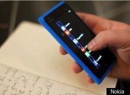 Nokia 900 Takes On Apple