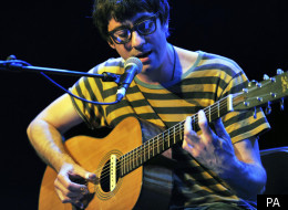 Graham Coxon is holding out a hand to unsigned bands