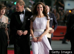 Celebs headed to the Golden Globe awards could learn a thing or two from Kate Middleton.