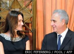 Le directeur du Fonds mondial contre le sida, Michel Kazatchkine, aux côtés de Carla bruni