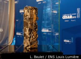 Une statuette des Césars pose avant la cérémonie, vendredi 24 février, au théâtre du Châtelet
