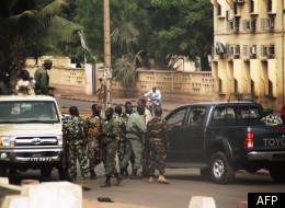 Soldats dans les rues de Bamako, au Mali, le 21 mars 2012.