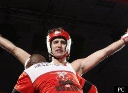 Justin Trudeau remporte le combat contre conservateur Patrick Brazeau.   Photo PC/FRED CHARTRAND