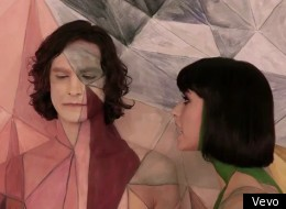 Matt Bomer Covers Gotye's 'Somebody That I Used To Know' On 'Glee'