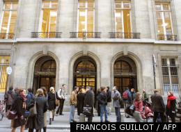 Vue de l'entrée de l'Institut d'études politiques (IEP) prise le 27 février 2001 à Paris.