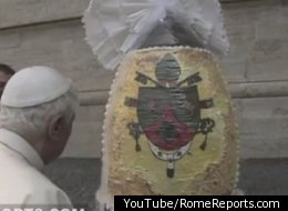 Italian chocolate company gives Benedict XVI an egg more than 6.5 feet high and weighing more than 550 pounds