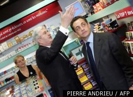Nicolas Sarkozy en 2005 avec le président de la confédération des buralistes.