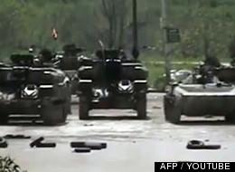 Des chars de l'armée syrienne à Homs le 9 avril