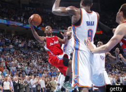 Chris Paul's amazing layup lifted the Clippers past the Thunder.