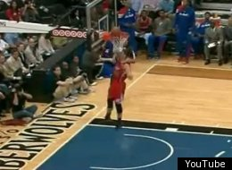 Blake Griffin misses a wide open dunk.