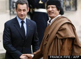 Nicolas Sarkozy et Mouammar Kadhafi le 10 décembre 2007
