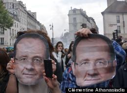 Des masques de François Hollande portés lors de sa victoire le 6 mai 2012 place de la Bastille