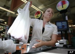 Toronto's executive committee has voted in favour of eliminating the city's five-cent plastic bag fee. (Shutterstock)