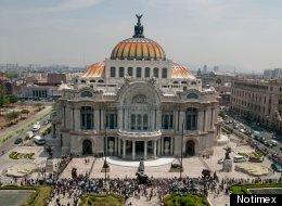 Restos de Carlos Fuentes ya se encuentran en Bellas Artes.