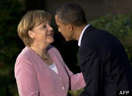 Angela Merkel, saluée par Barack Obama. (BRENDAN SMIALOWSKI / AFP)