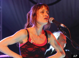 Fiona Apple's album received positive reviews.