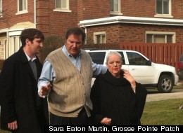 Bob Bashara, flanked by his mother and son, thanked supporters a week after his wife, Jane, was found strangled in January. (Sara Eaton Martin, Grosse Pointe Patch)