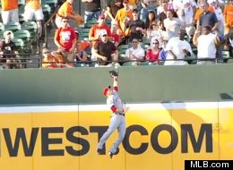 Mike Trout of the Angels makes an unbelievable catch.