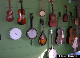 Ukuleles take center stage atop their more popular stringed relatives at this weekend's Midwest Uke Fest.