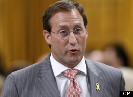Federal Defence Minister Peter Mackay is defending search and rescue officials who've come under fire. CP