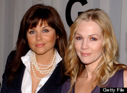 Tiffani Theissen and Jennie Garth, pictured here in 2003, aren't as close as they once were. (Photo by Amanda Edwards/Getty Images)