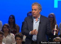 Jean Charest à Victoriaville, le samedi 11 août 2012. (Radio-Canada.ca)